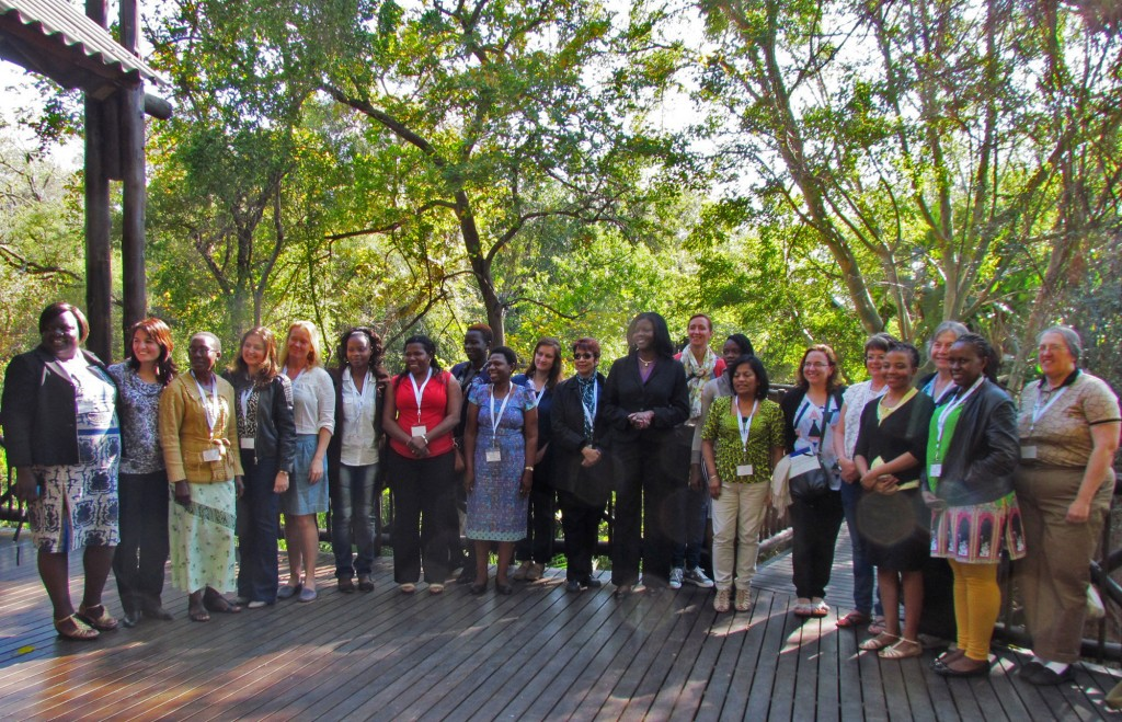 Group of women scientists in attendance at the workshop
