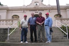 Miembros del Grupo de Trabajo durante la visita a la Estación de Investigación en Agricultura Tropical del USDA-ARS, en Mayagüez, Puerto Rico. Desde la Izquierda: Dr. Jorge A. Osuna, Dr. Ricardo Goenaga, Dr. Samuel Salazar, y Dr. Gilles Doyon.